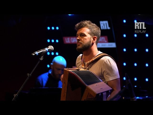 Claudio Capéo - Je vous embrasse fort (Live) - Le Grand Studio RTL