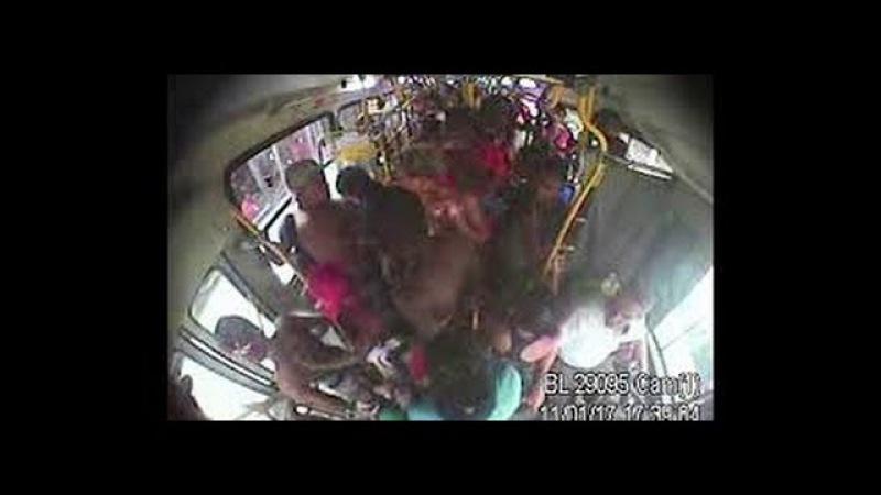 Vídeo mostram rotina de violência e depredação no ônibus 474 no Rio Fantastico 15012017