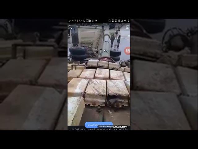 Бригадир тигров САА Сухал Хассан на улицах Дамаска