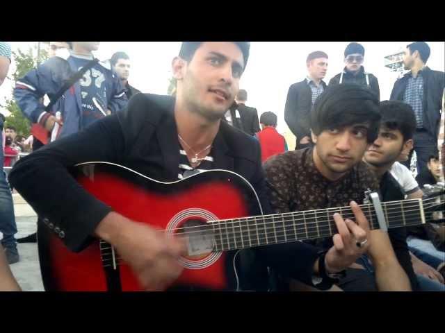Bulvarda NZS Uwaglari Ile.. Gitarist Tapo (Taleh) Ve Elvin...
