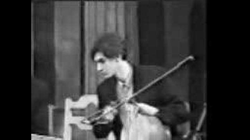 M.R. Mortazavi - Solo Tombak in Tshehelsutun-Isfahan