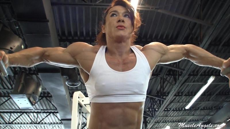 Alina_popa_gym_2011
