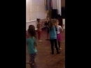 Николь на танцах