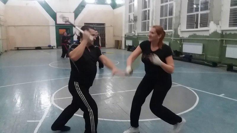 Kombatan Arnis  (palit-palit solo baston, блоки свободной рукой )