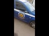 Женщина «в сердцах» ругает водителя мининформсвязи, не пропустившего скорую помо