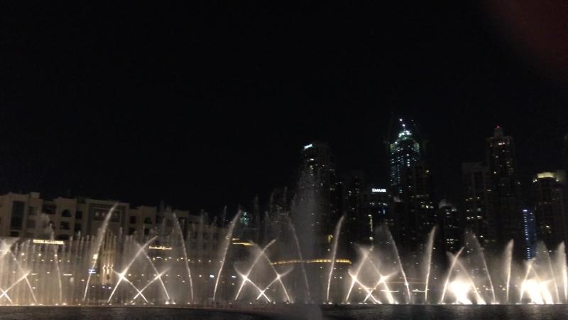 «Поющий» фонтан в Дубае