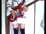Сосите гитаристы! кто сказал что девкам в рок музыке не место?! учитесь) Kill the King