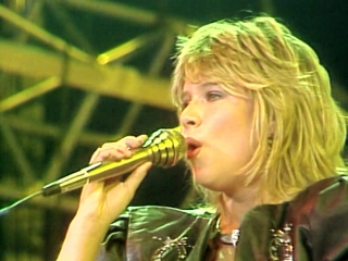 14) Samantha Fox - Touch Me & Hold On Tight (Peters Pop Show) HD (A.Romantic)