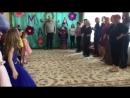 Весёлые танцы 😄 кое кто смущенно мелькает периодически где то совсем справа ☺