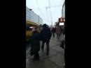 Борец против полицейского Государства орёт ПОЛИЦИЯ