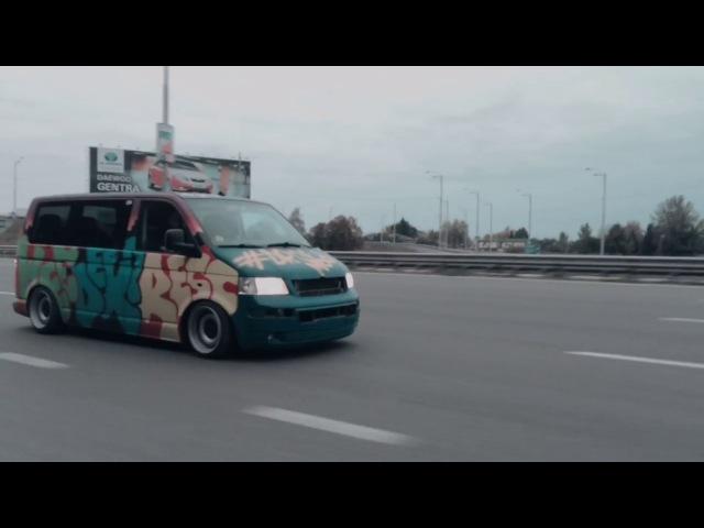 Stanced VW Transporter T5 / Weedexpress