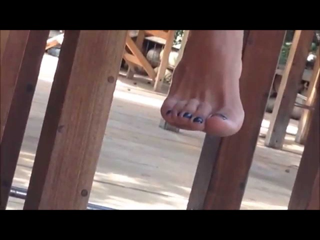 Amazing sexy toe play candid feet 720p
