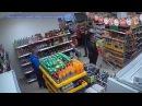В Тарногском Городке магазинный грабитель попал на видео