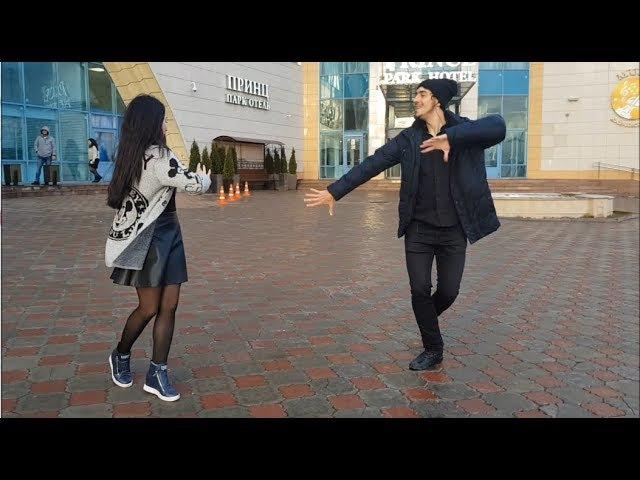 ДЕВУШКА ТАНЦУЕТ ОЧЕНЬ КРАСИВО С ДЖИГИТОМ В МОСКВЕ 2018 ALISHKA AIDA ЧЕЧЕНСКАЯ ПЕСНЯ КРАСИВАЯ ДЕВУШКА