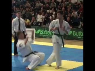Ути хайсоку-гэри дзедан в Кёкусинкай карате. Вадзаари. Подготовка бойца. http://vk.com/oyama_mas