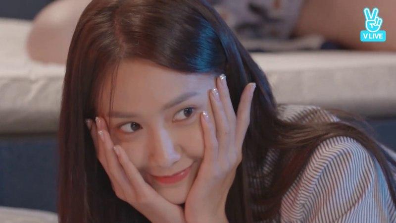 [SNSD] Yuri fell asleep during SNSD's LieV : highlight