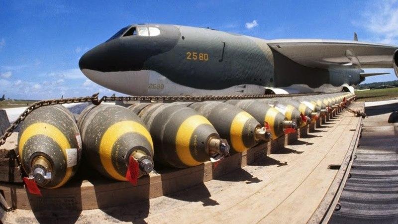 O Maior Bombardeiro dos Estados Unidos _ Boeing B 52 Stratofortress Pronto para o Combate