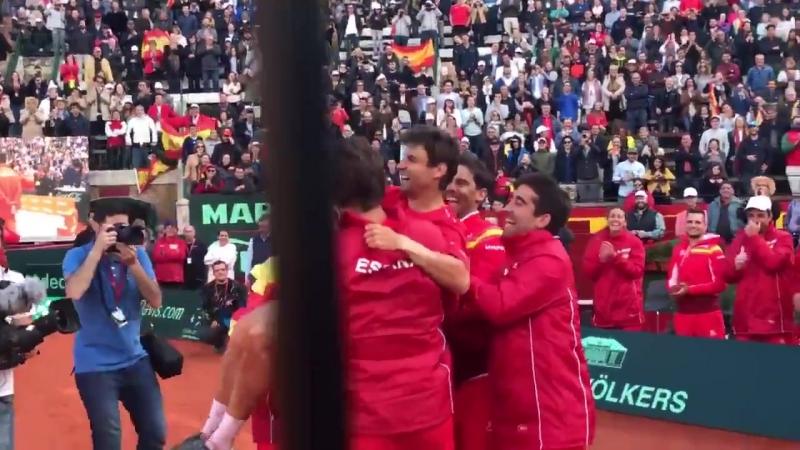 No hay mejor manera de acabar una eliminatoria de CopaDavis... España volverá a jugar las .mp4