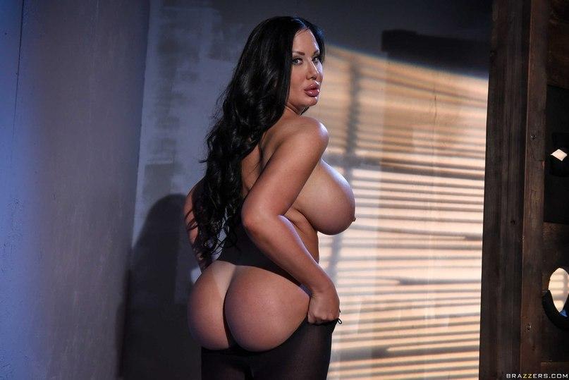 Gorgeous oriental transexual blows Her spunk Sexily