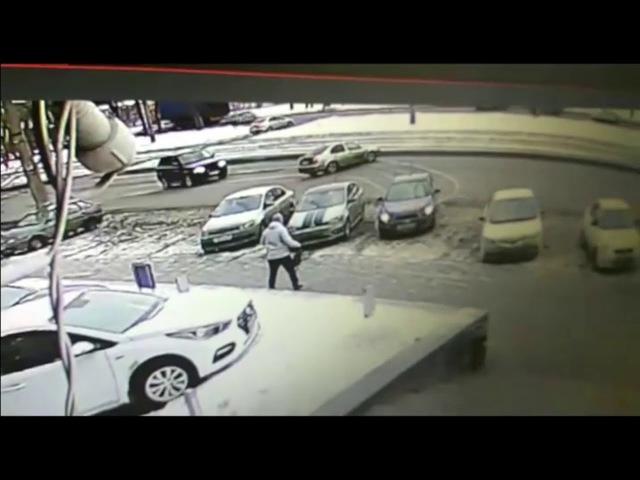 Шикарная парковка после столкновения. Красавчик