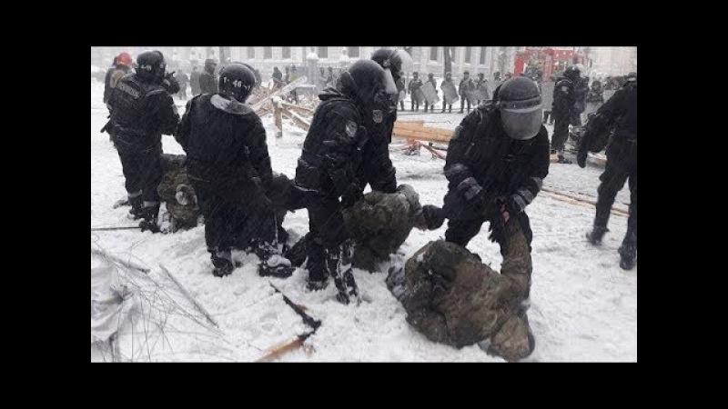 Порошенко показал бестолковому Януковичу как правильно разгонять Майдан (3.03.2018)