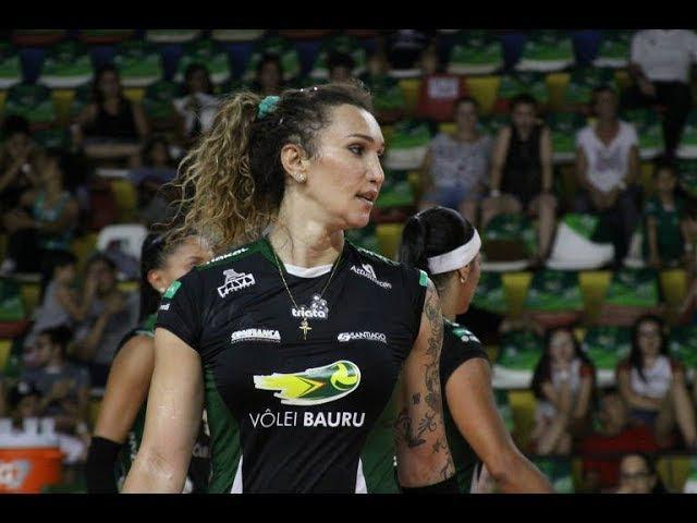 Tiffany e o destaque do Bauru no jogo contra o Brasília