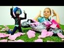 День учителя в МОНСТРХАЙ 💐 MonsterHigh КУКЛЫ делают подарки 🎁 Видео для девочек/ Иг