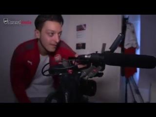How to be...Mesut Ozil