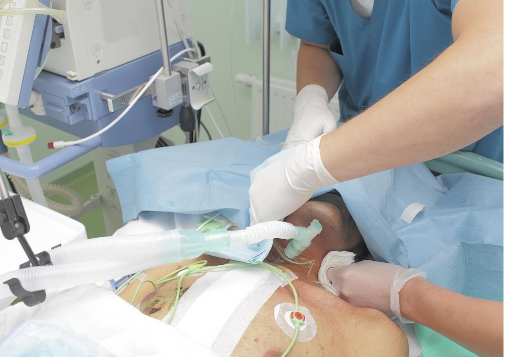 Большинство сердечно-сосудистых электрофизиологов являются квалифицированными хирургами, которые завершили дополнительное общение.
