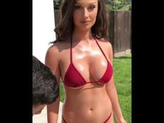 Сексапильная брюнетка с шикарной фигурой (порно, секс, эротика, попка, booty, anal, анал, сиськи, boobs, brazzers)