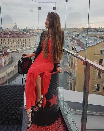 Вероника Богомолова
