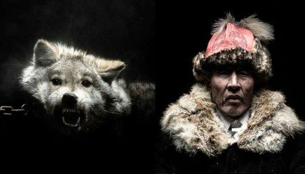 Рэми Шапоблан (Remi Chapeaublanc) - фотограф, путешественник и невероятно талантливый человек, который с десяти лет с камерой на «ты», четыре месяца провёл в Монголии, фотографируя местных жителей и животных. Серия портретов, получившая название «Боги и з