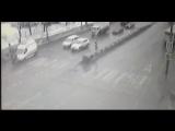 В Москве скорая сбила людей прямо на пешеходном переходе.