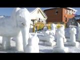 Пенсионер превратил двор в выставку снежных фигур