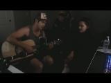 Кэтрин Лэнгфорд и Росс Батлер исполняют кавер на песни «So Am I » и «No Promises»