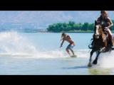 Остин Кин — чемпион мира по скимбордингу . Скимбординг (Skimboarding) – разновидность водного спорта по типу сёрфинга. ✈?☀