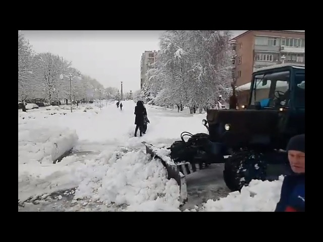 С каждым годом все хуже и хуже в Черкассах убирают город от снега