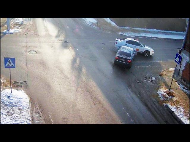 ДТП в Серпухове. Сбегал по на знак STOP... 16 января 2018г.