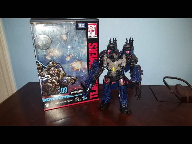 HASBRO Takara Tomy Transformers Generations Studio Series 09 Thundercracker Review