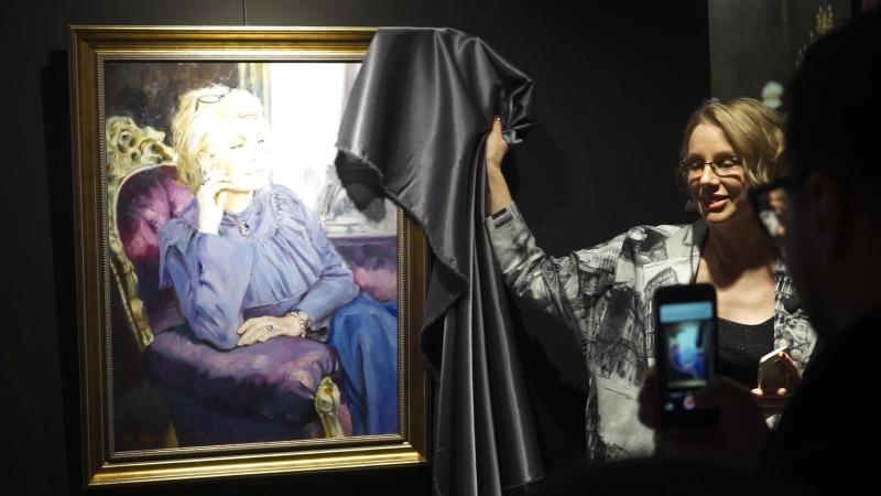 Открытие галереи современного искусства M GALLERY Вернисаж выставки С Жукова Живописные лики настоящего