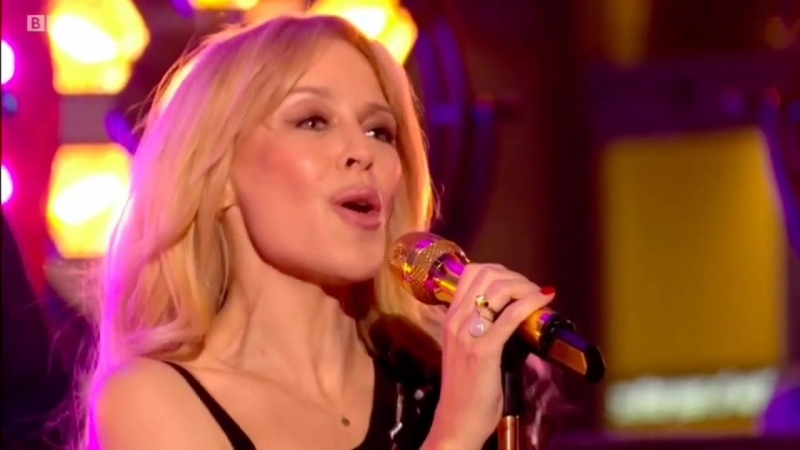 Кайли Миноуг Kylie Minogue Stop Me from Falling 09 04 2018 live One Show Album Golden Лондон Великобритания