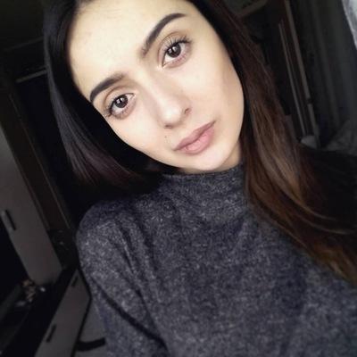 Майя Сафарова