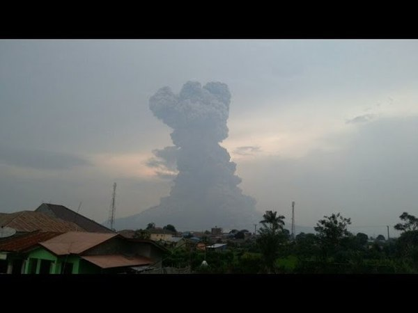 Извержение вулкана Синабунг, Индонезия   Eruption of the volcano Sinabung, Sumatra, Indonesia