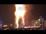В Южно-Сахалинске сгорела главная городская ёлка.