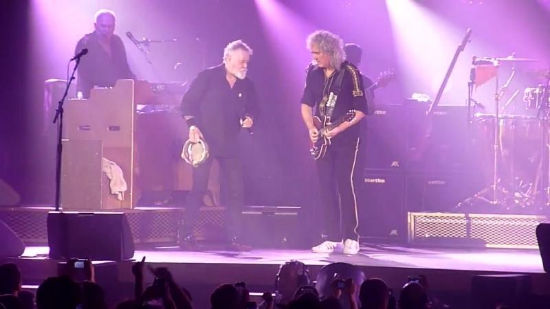 Queen Adam Lambert live Le Zenith Paris France 2015 (A Kind of Magic)
