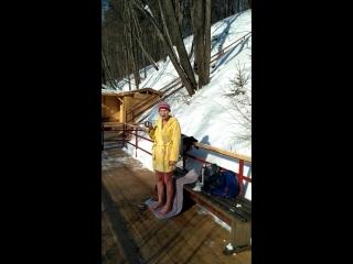 17 февраля 12 Мы все так же не изменяем своим традициям по выходным отдыхать на Голубом озере гулять купаться🏊и загорать😋🏖