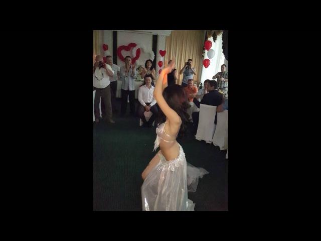 Восточный танец для жениха Шахноза и Александр томск. 09.07.2016