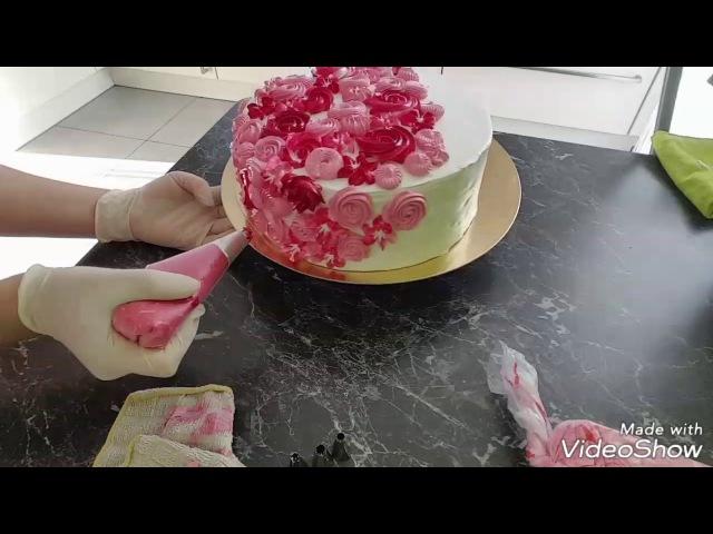 Оформление модного тортика Единорог с БЗК. Einhorntorte süß Eiweißcreme.