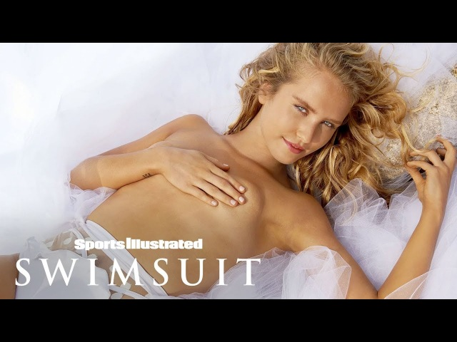 Sailor Brinkley Cook Is Ready To Take On The World In 2018 | Outtakes | Sports Illustrated Swimsuit