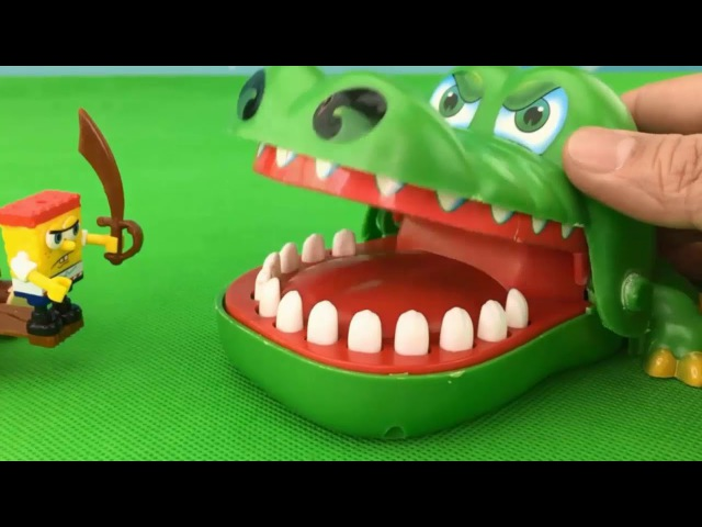 Spongebob Squarepants Toy Adventure Pirate Ship CROCODILE AND ALLIGATOR ATTACK Toys